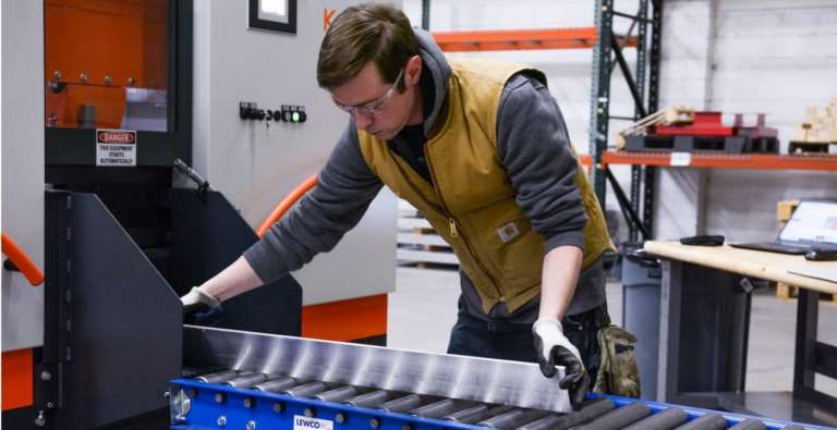 eBook: 10 Tips and Tricks for Improving Machine Shop Efficiency